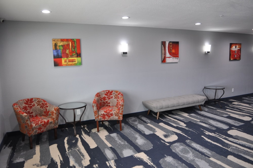 Hallway, Quality Inn & Suites Plano East - Richardson