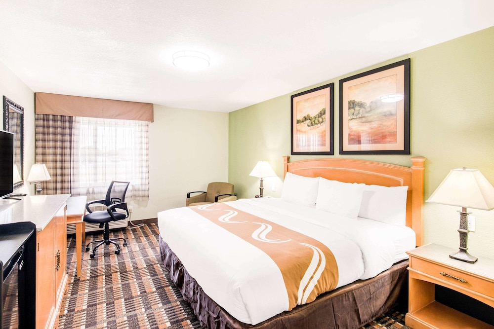 Room, Quality Inn & Suites Plano East - Richardson