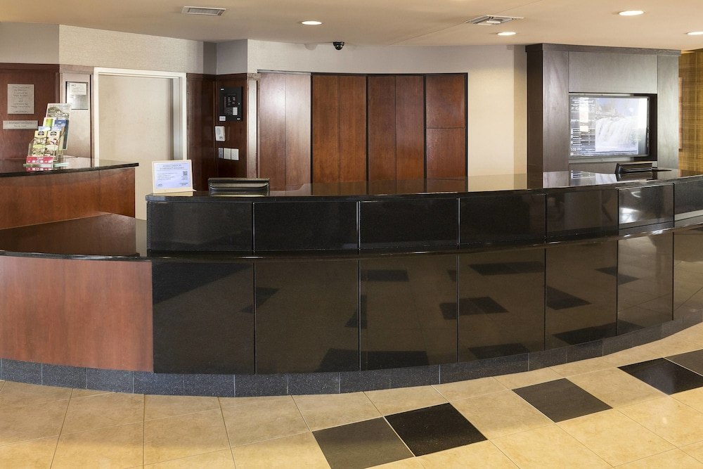 Lobby, Courtyard by Marriott Sioux Falls