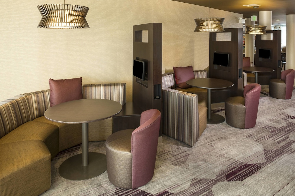 Lobby Lounge, Courtyard by Marriott Sioux Falls