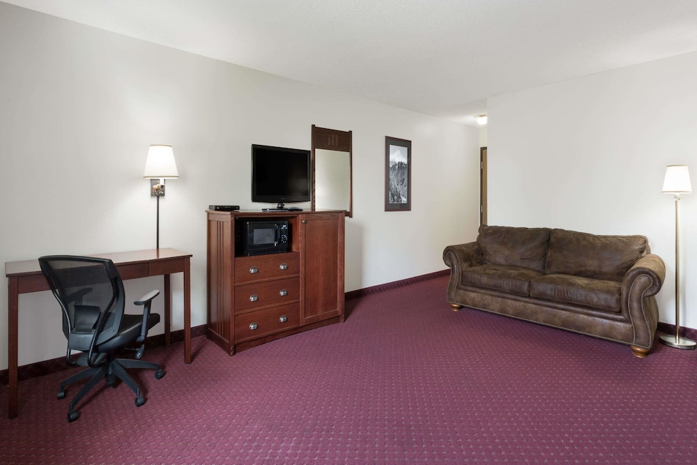 Room, Ramada by Wyndham Bozeman