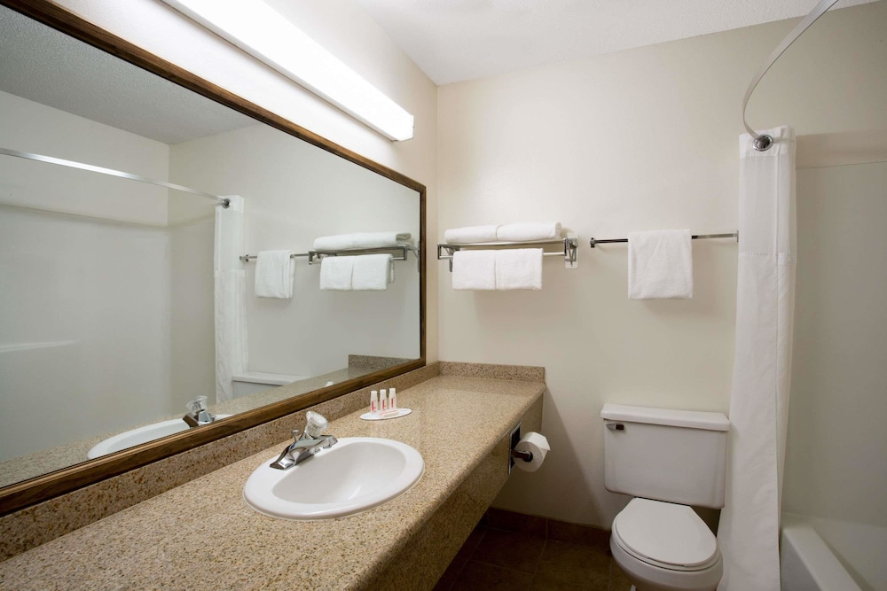 Bathroom, Ramada by Wyndham Bozeman