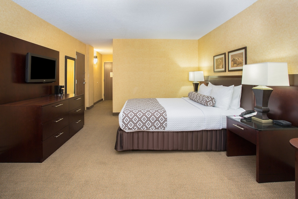 Room, Crowne Plaza Denver Airport Convention Ctr, an IHG Hotel