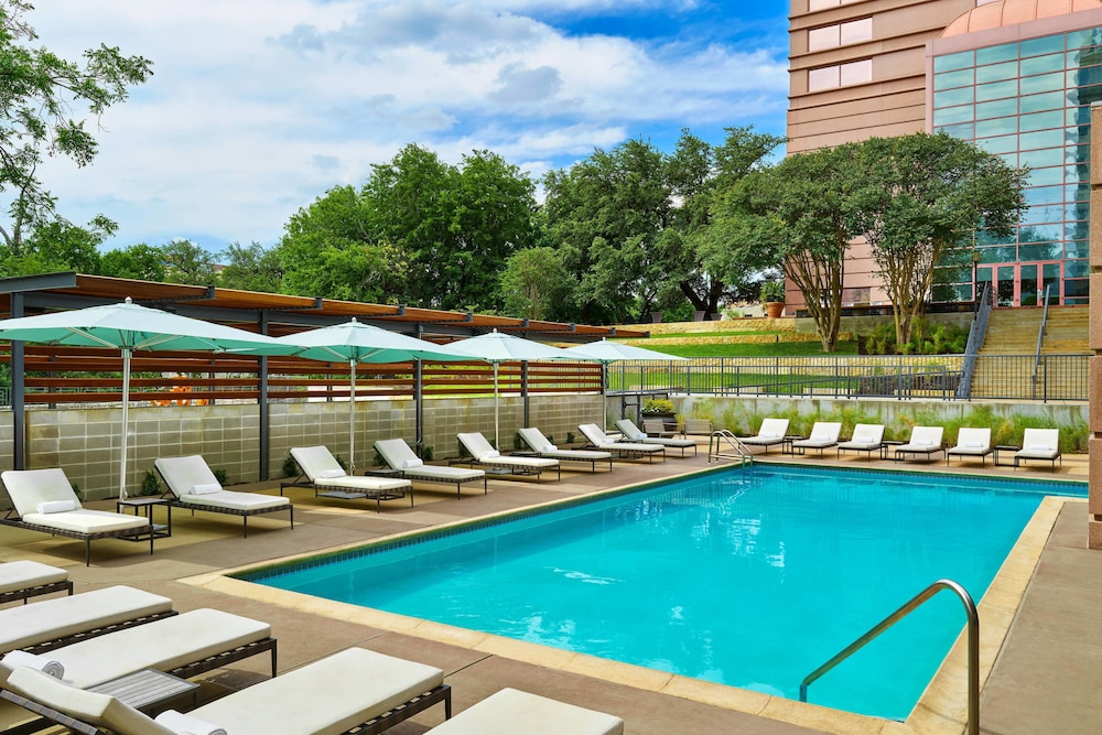 Outdoor Pool, Sheraton Austin Hotel at the Capitol