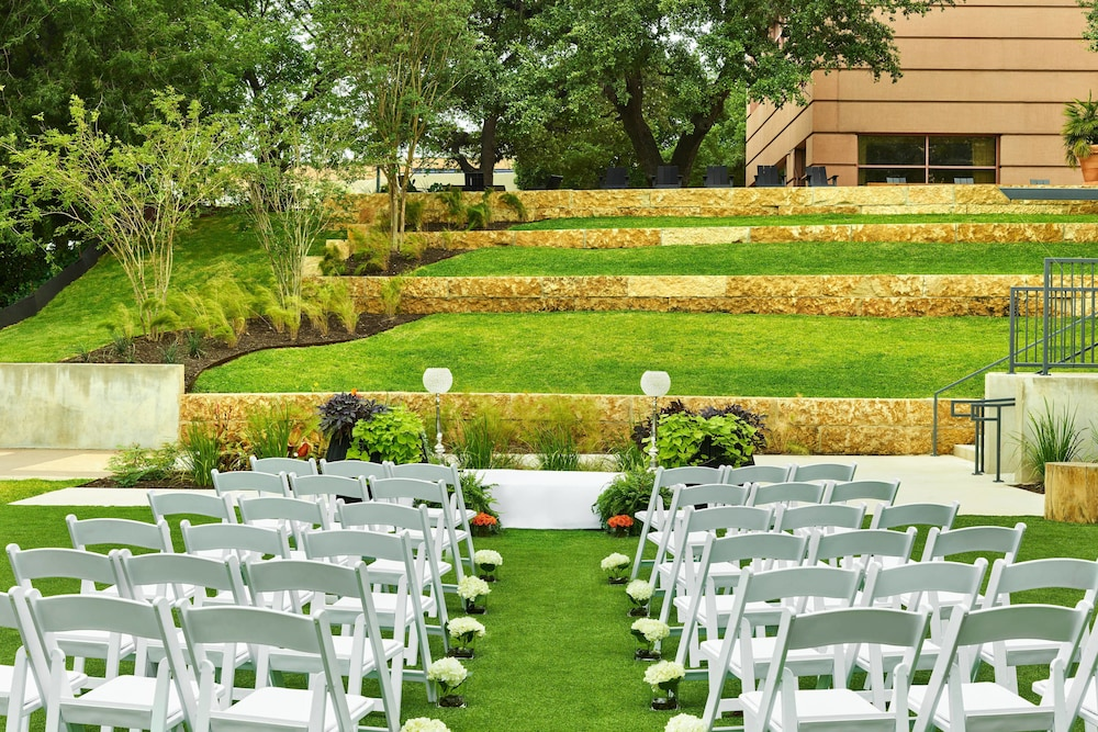 Outdoor Wedding Area, Sheraton Austin Hotel at the Capitol
