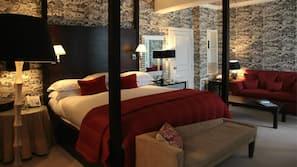 Ropa de cama de alta calidad, minibar, caja fuerte