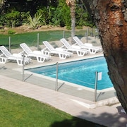 Top 10 cheap lancon provence hotels in st remy de for Hotel premiere classe salon de provence
