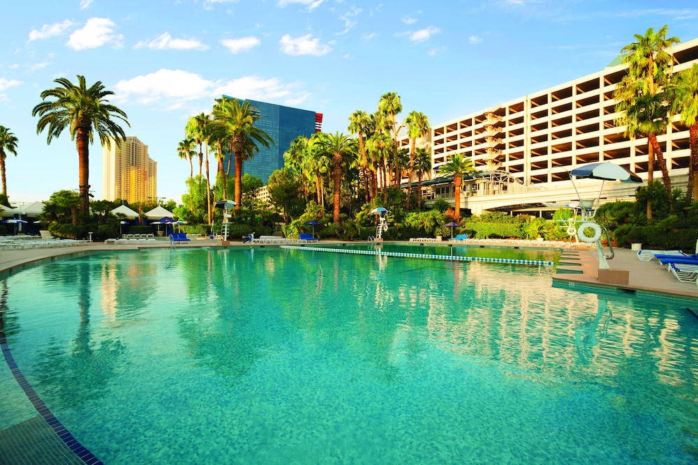 Outdoor Pool, Bally's Las Vegas - Hotel & Casino