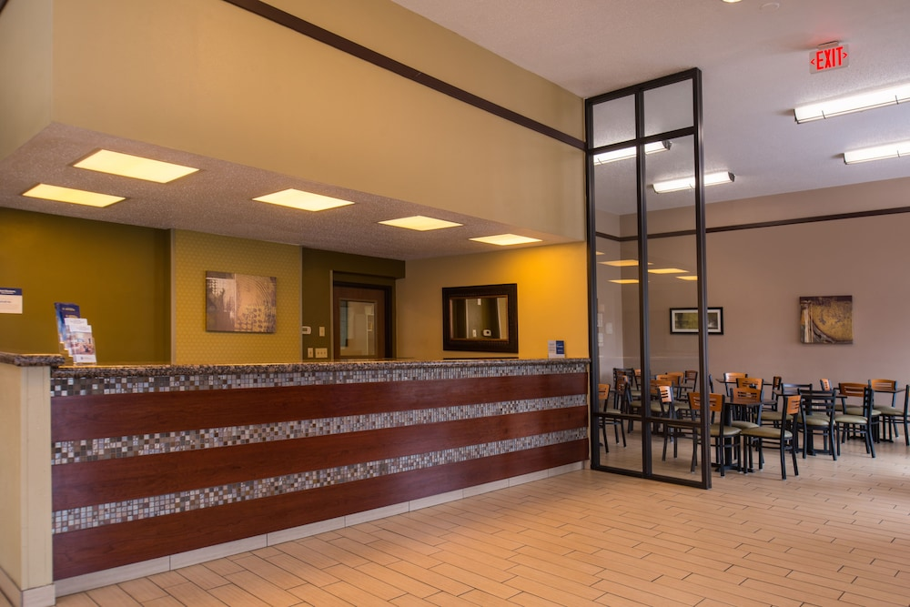 Interior Entrance, Best Western Ambassador Inn & Suites