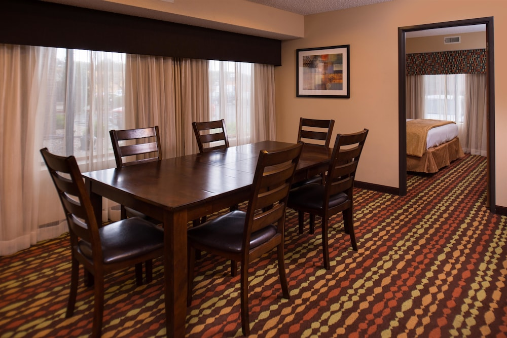 In-Room Dining, Best Western Ambassador Inn & Suites