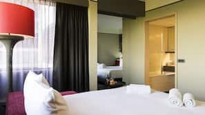 1 間臥室、高級寢具、保險箱 (可放手提電腦)、書桌