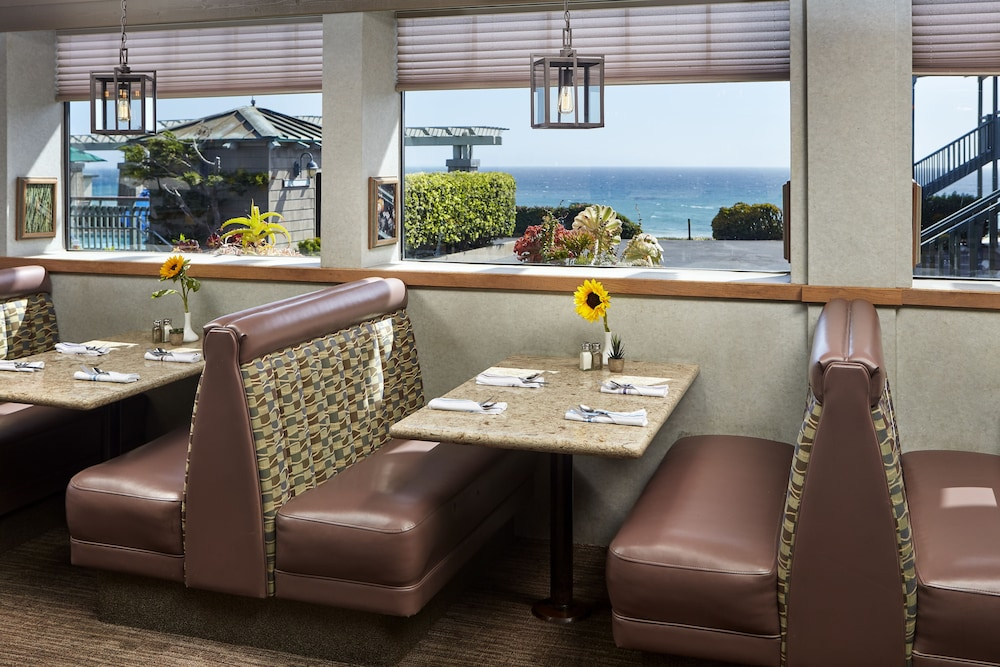 Restaurant, Cavalier Oceanfront Resort