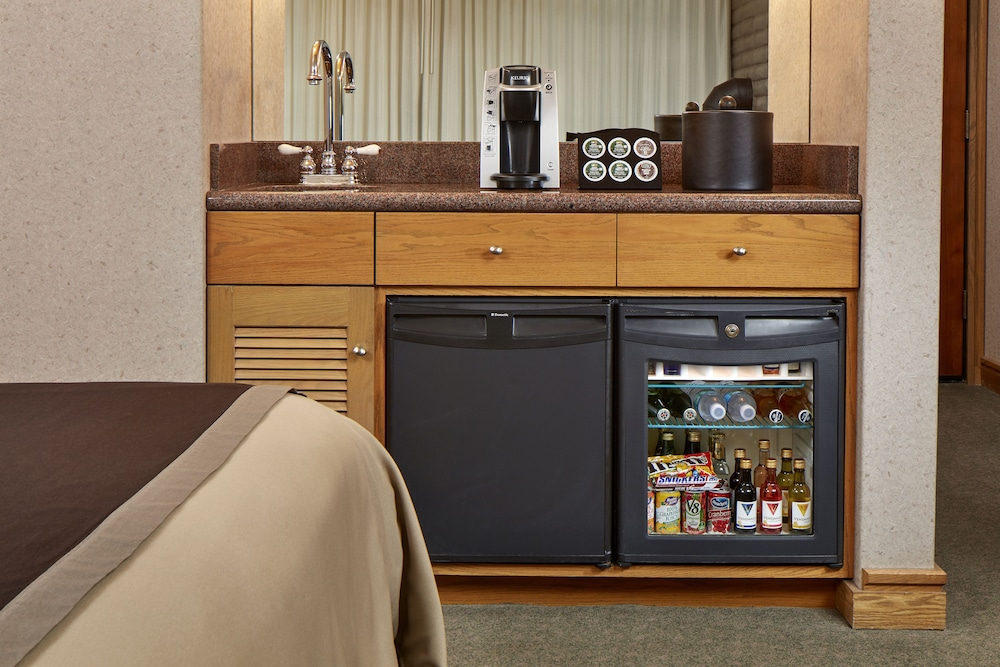 Private Kitchenette, Cavalier Oceanfront Resort