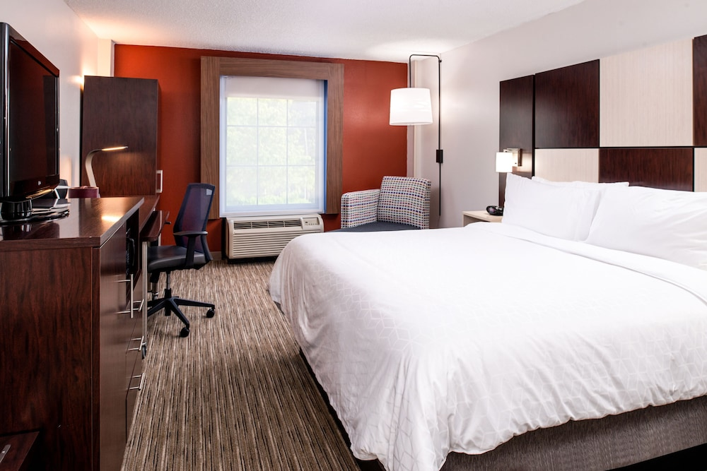 Room, Holiday Inn Express Towson - Baltimore North, an IHG Hotel