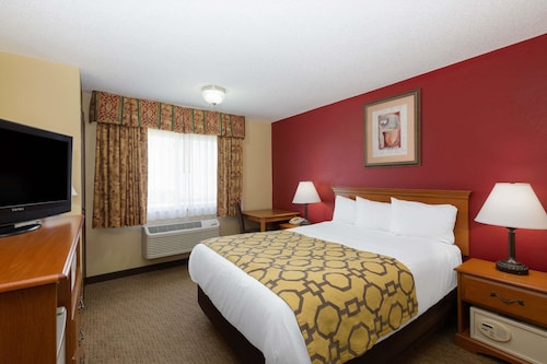 Great Place to stay Baymont by Wyndham Fort Dodge near Fort Dodge