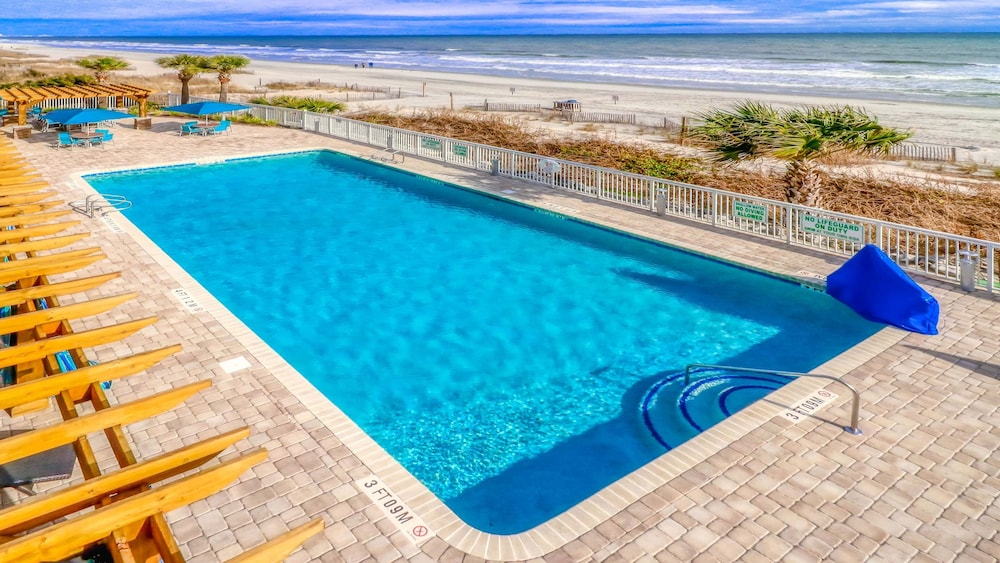 Pool, Holiday Inn Oceanfront at Surfside Beach, an IHG Hotel