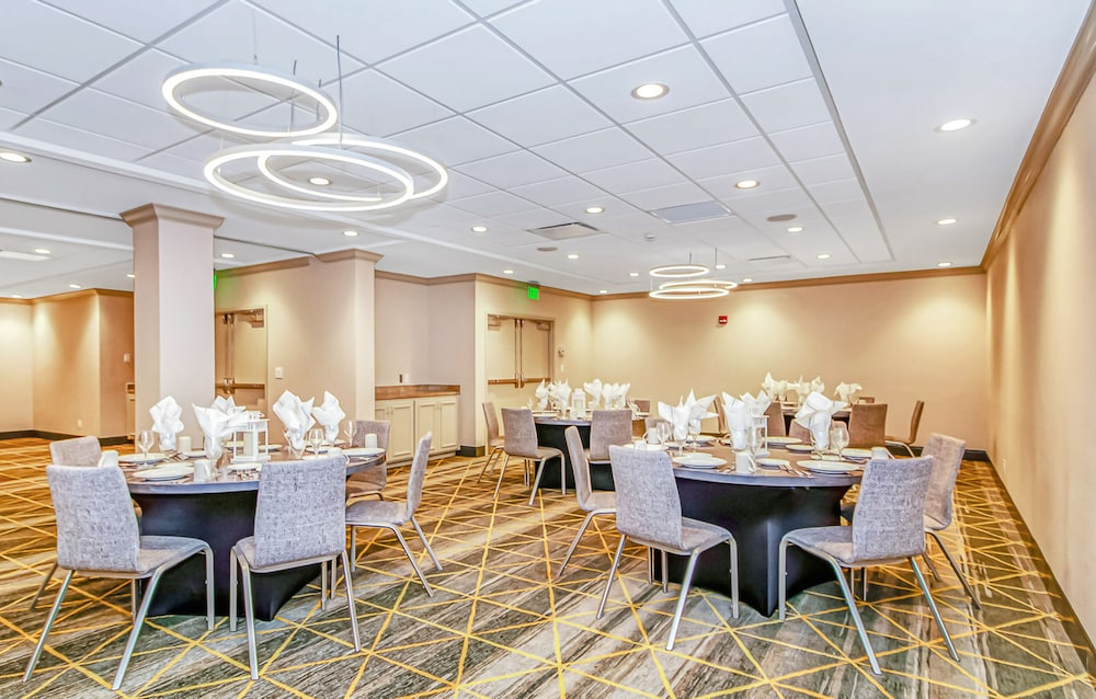 Banquet Hall, Holiday Inn Oceanfront at Surfside Beach, an IHG Hotel