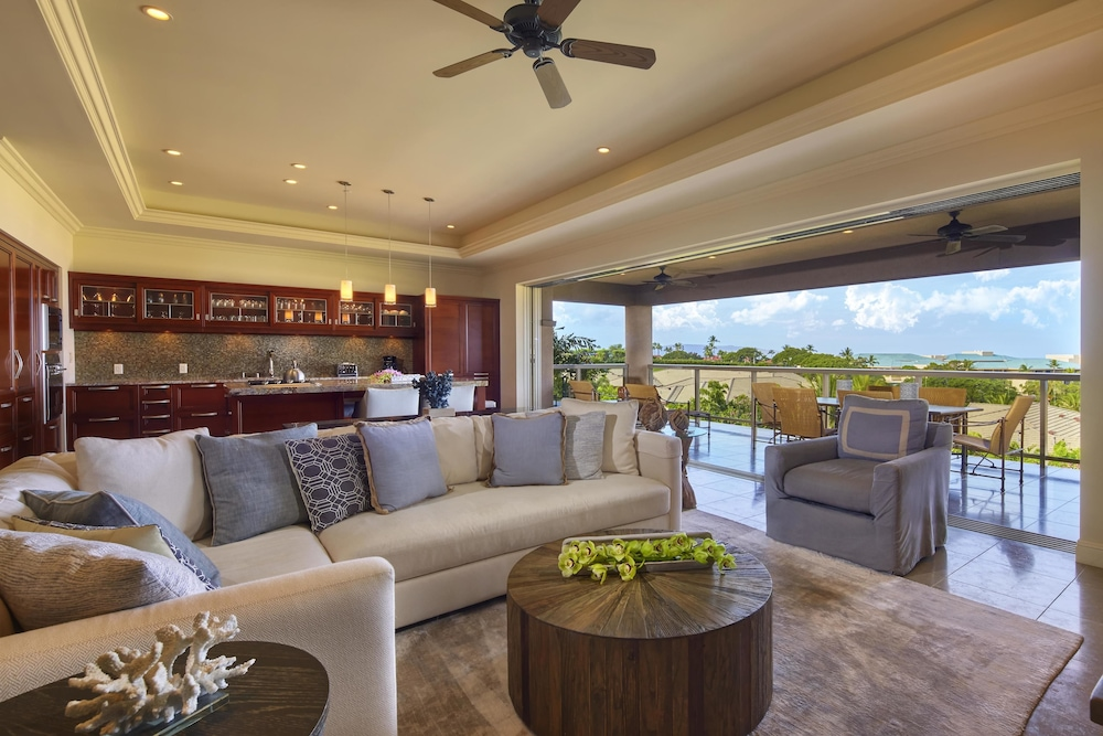 Living Area, Grand Wailea Maui, A Waldorf Astoria Resort