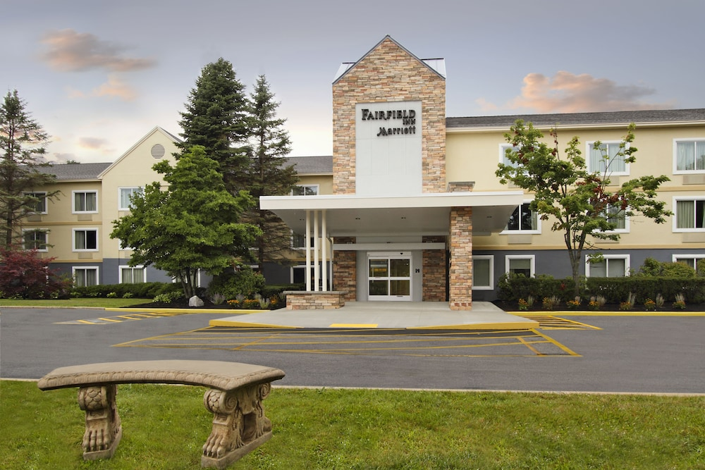 Front of Property, Fairfield Inn By Marriott Portland Maine Mall
