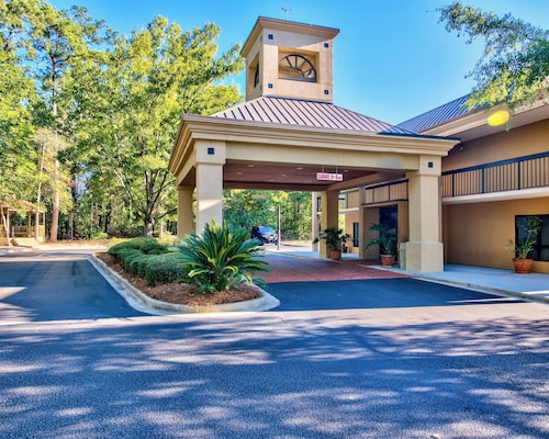 Check Expedia for Availability of Clarion Inn & Suites