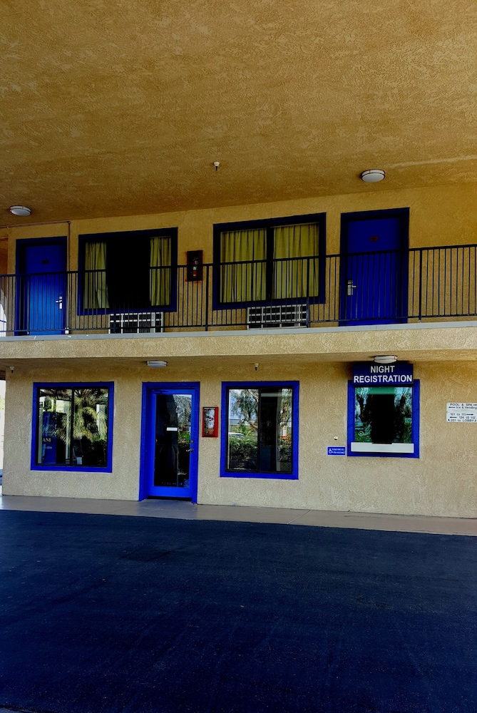 Property Entrance, Travelodge by Wyndham Indio