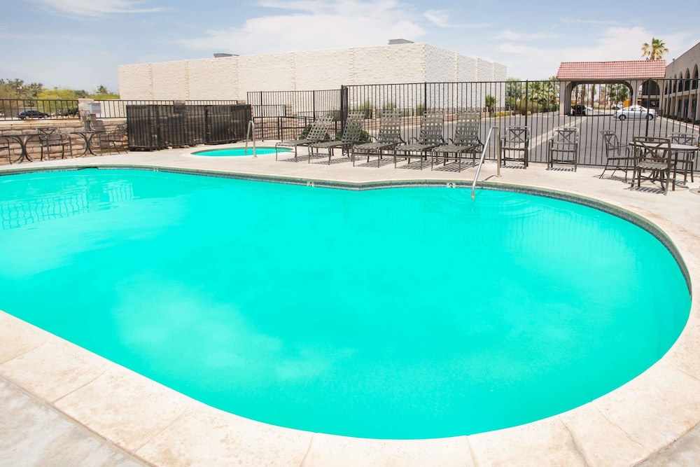 Pool, Travelodge by Wyndham Indio