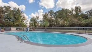 Seasonal outdoor pool, open 10 AM to 10:00 PM, sun loungers