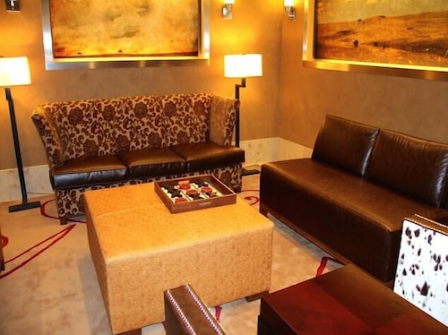 Lobby Sitting Area, Northern Hotel