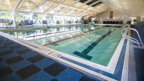 2 piscinas internas, 3 piscinas externas