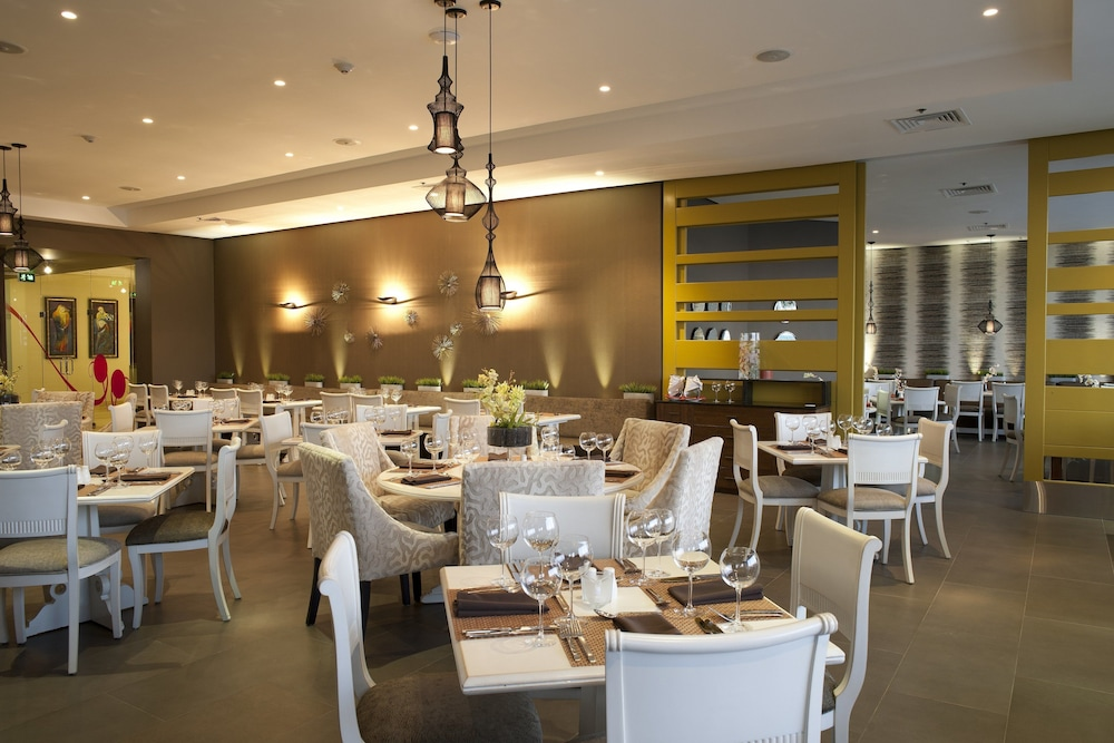 Restaurant, Crowne Plaza Santo Domingo, an IHG Hotel