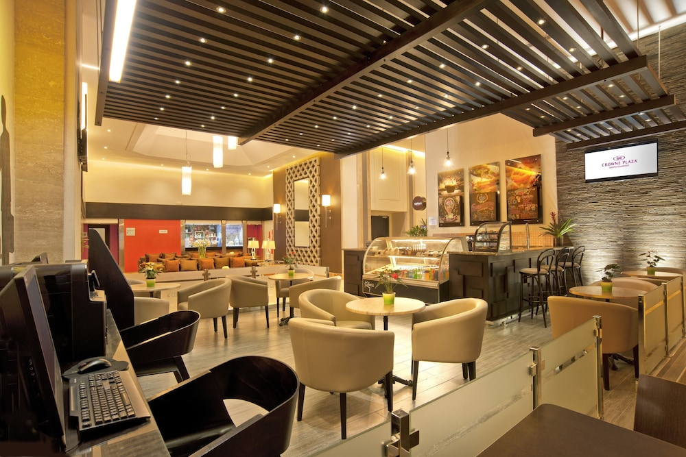 Cafe, Crowne Plaza Santo Domingo, an IHG Hotel