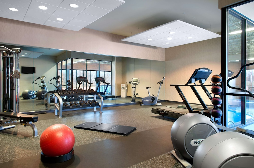 Fitness Facility, Aviator Hotel & Suites, BW Signature Collection