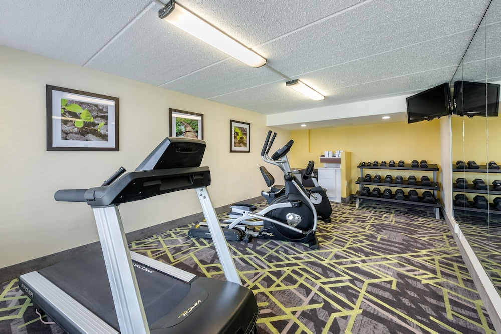 Fitness Facility, Quality Inn And Suites Riverfront