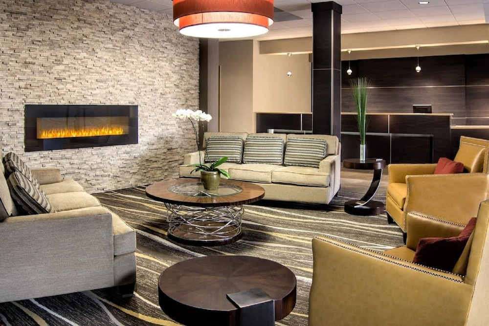 Lobby Sitting Area, Ramada by Wyndham Rochester Mayo Clinic Area