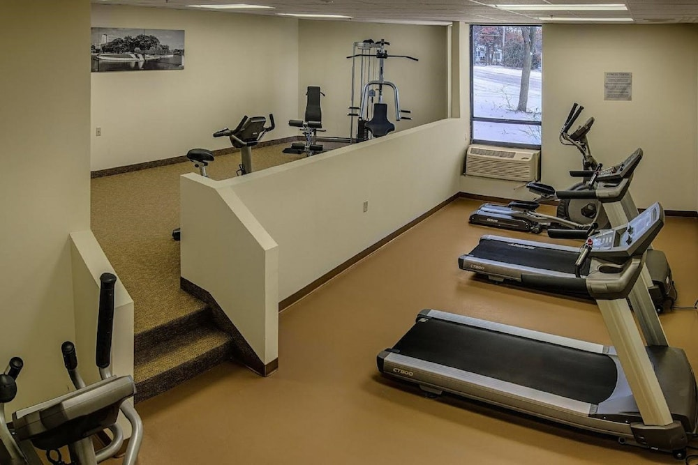 Gym, Ramada by Wyndham Rochester Mayo Clinic Area