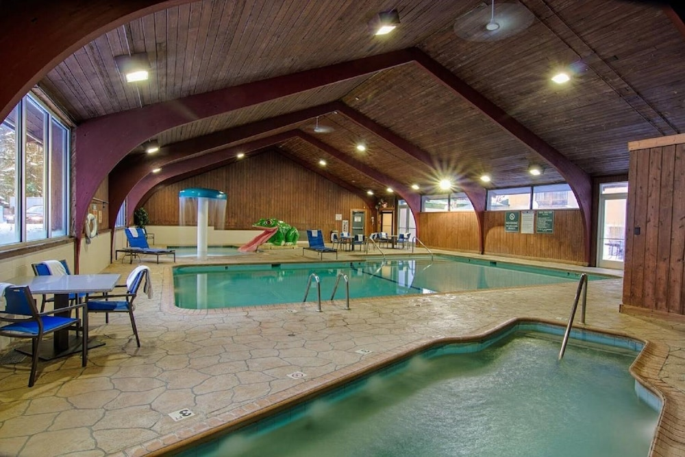 Indoor Pool, Ramada by Wyndham Rochester Mayo Clinic Area