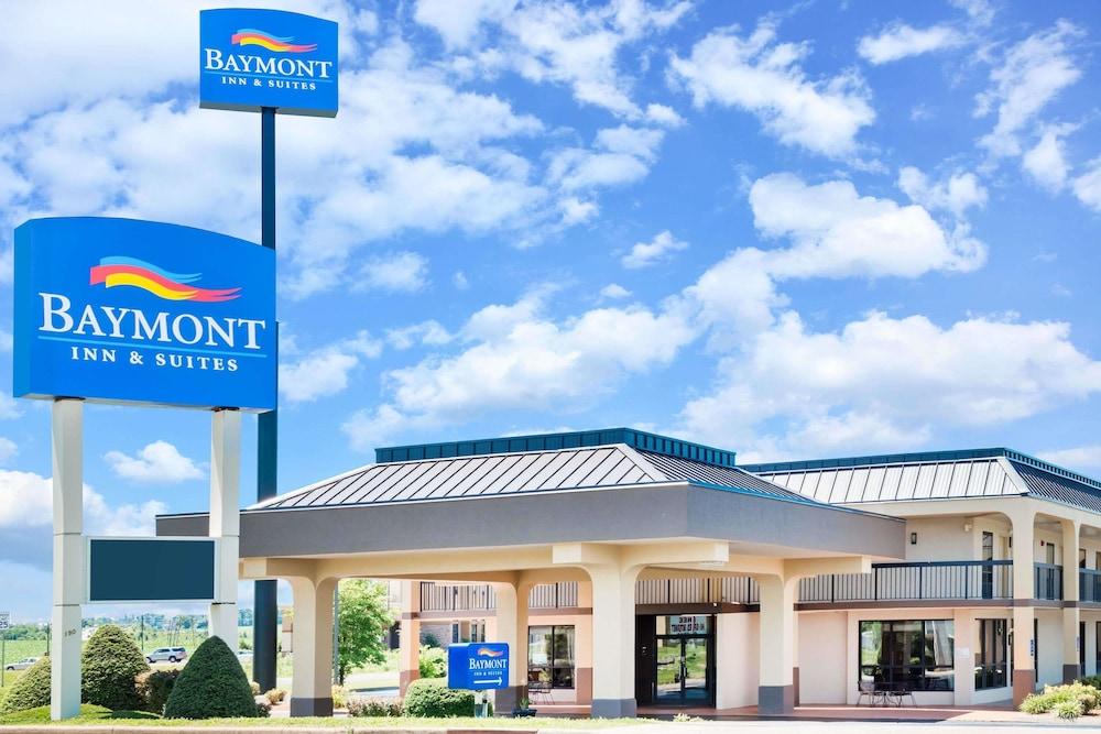 Baymont by Wyndham Clarksville Northeast in Clarksville