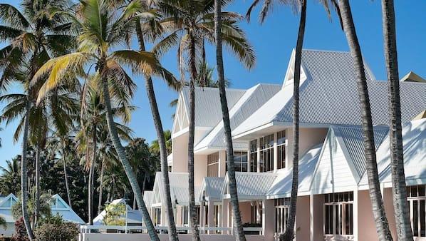 12 outdoor pools, cabanas (surcharge), pool umbrellas