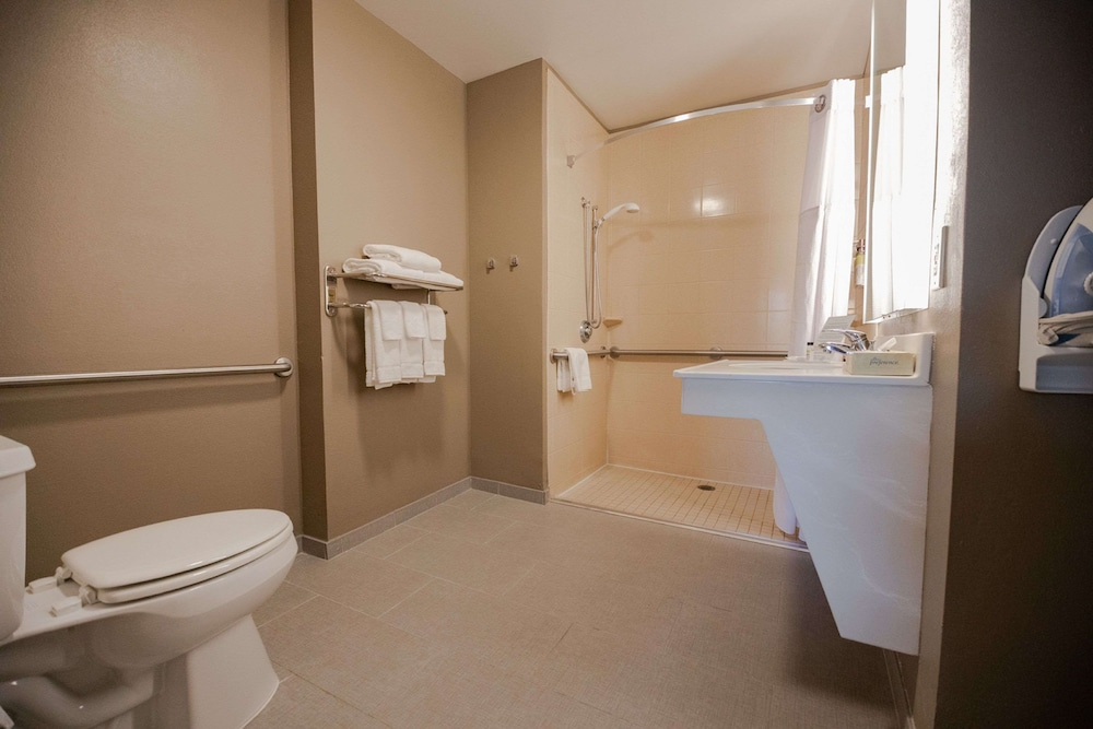 Bathroom, Sonesta ES Suites Chatsworth