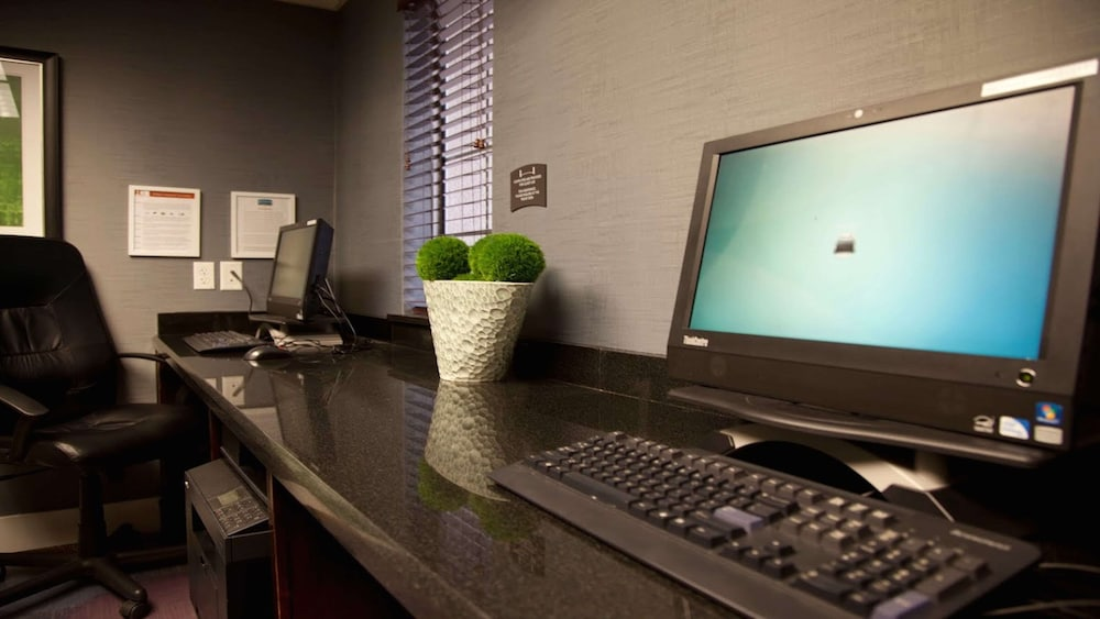 Business Center, Sonesta ES Suites Chatsworth
