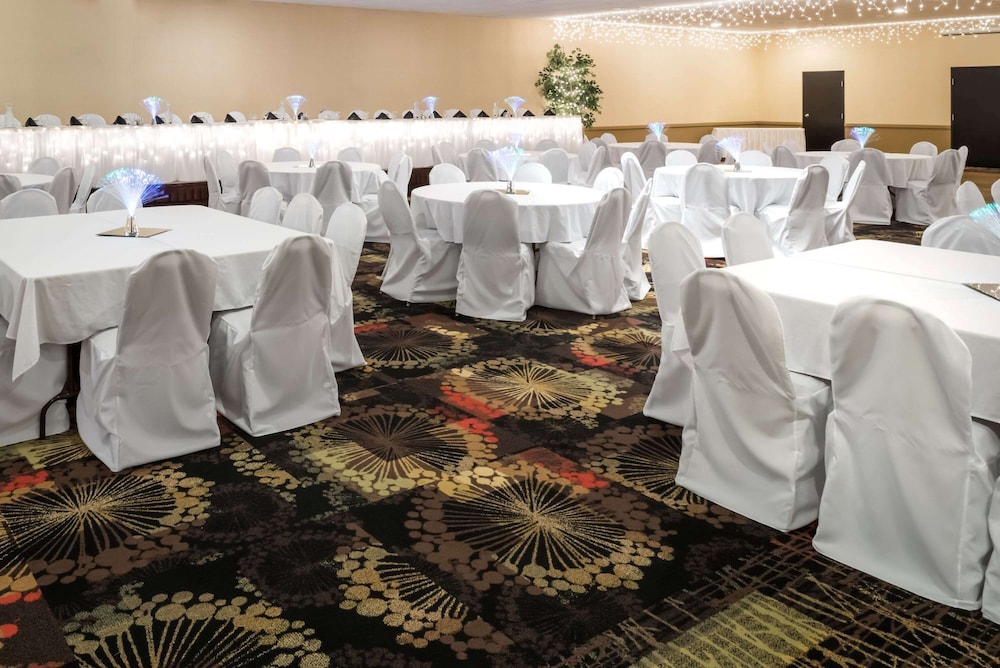 Meeting Facility, Ramada by Wyndham Grand Forks