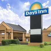 Days Inn by Wyndham Jennings