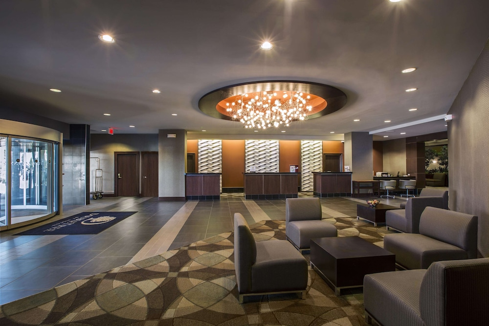 Reception, DoubleTree by Hilton Hotel Wichita Airport