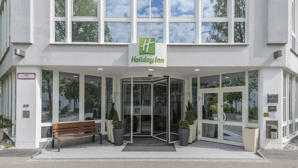 Property Entrance, Holiday Inn Munich-Unterhaching