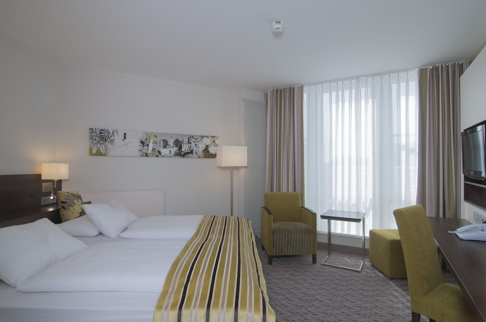 Room, Holiday Inn Munich-Unterhaching