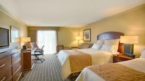 Camas com colchões pillow-top, cofres nos quartos, escrivaninha