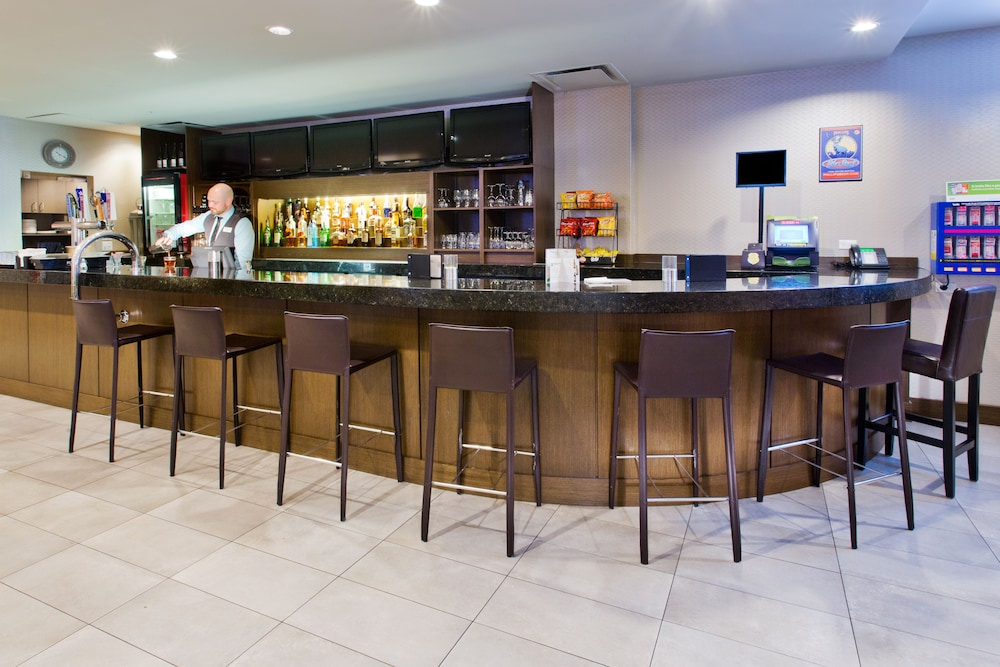 Bar, Holiday Inn Vancouver Centre