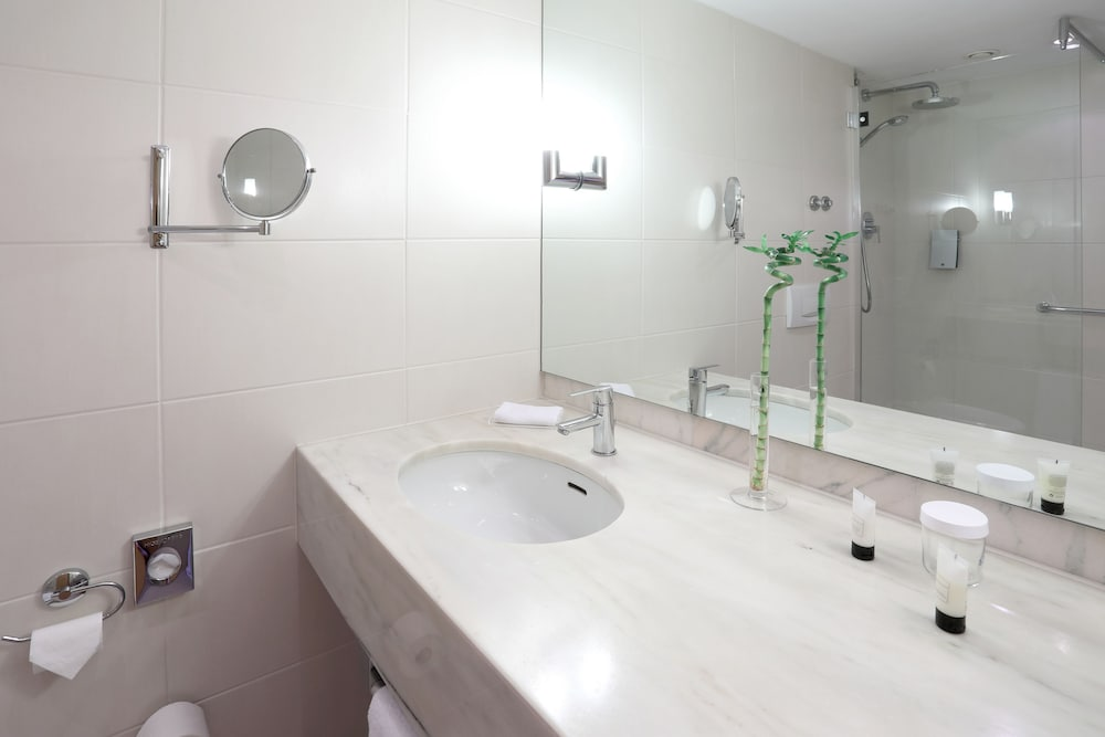 Bathroom, Dolce by Wyndham Bad Nauheim
