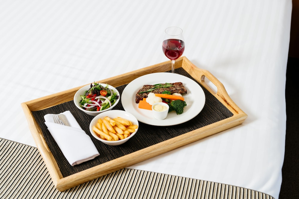 Room Service - Dining, Crowne Plaza Perth