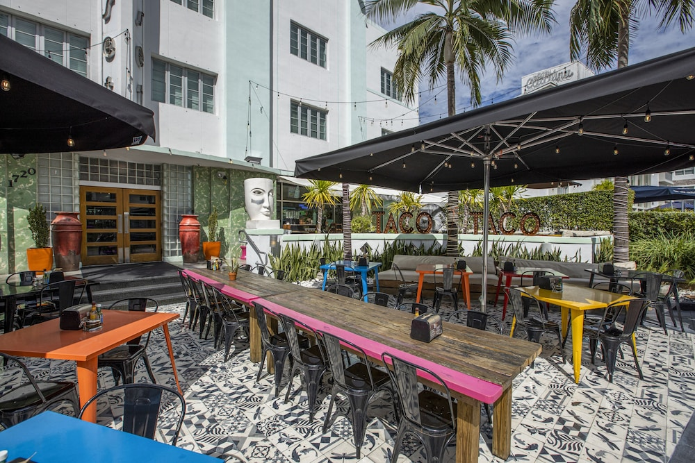Outdoor Dining, Catalina Hotel & Beach Club, a South Beach Group Hotel